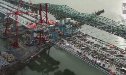 Pont Champlain: les camions à L'Île-des-Soeurs, Brossard dans la brume