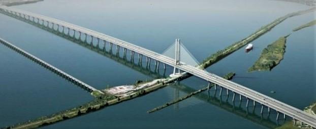 Le pont Samuel-de-Champlain, un ouvrage remarquable