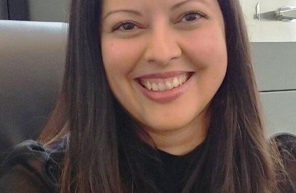 Me Nicole Henriquez Steel: sourire franc et engageant