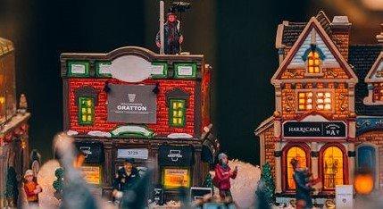 Mini Village de Noël sur la Promenade