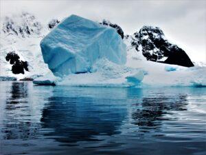 La-bete-et-la-belle-Antartique