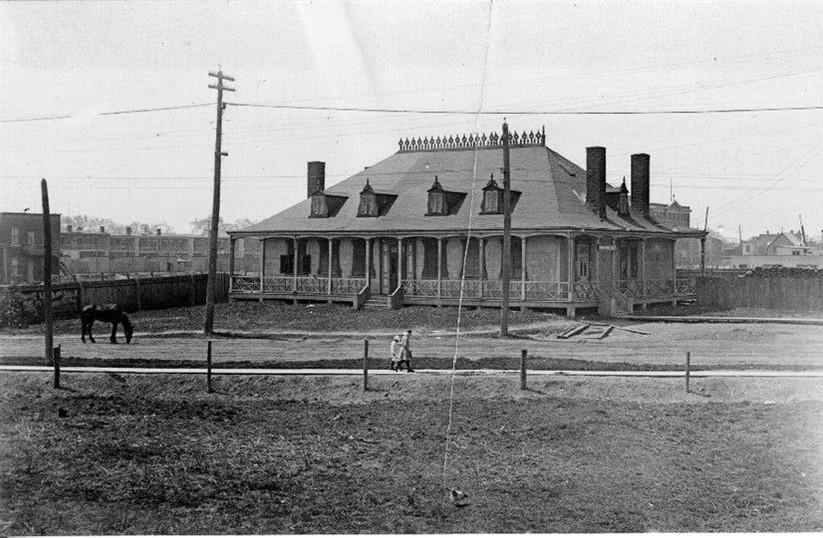 Histoire: le Pavillon