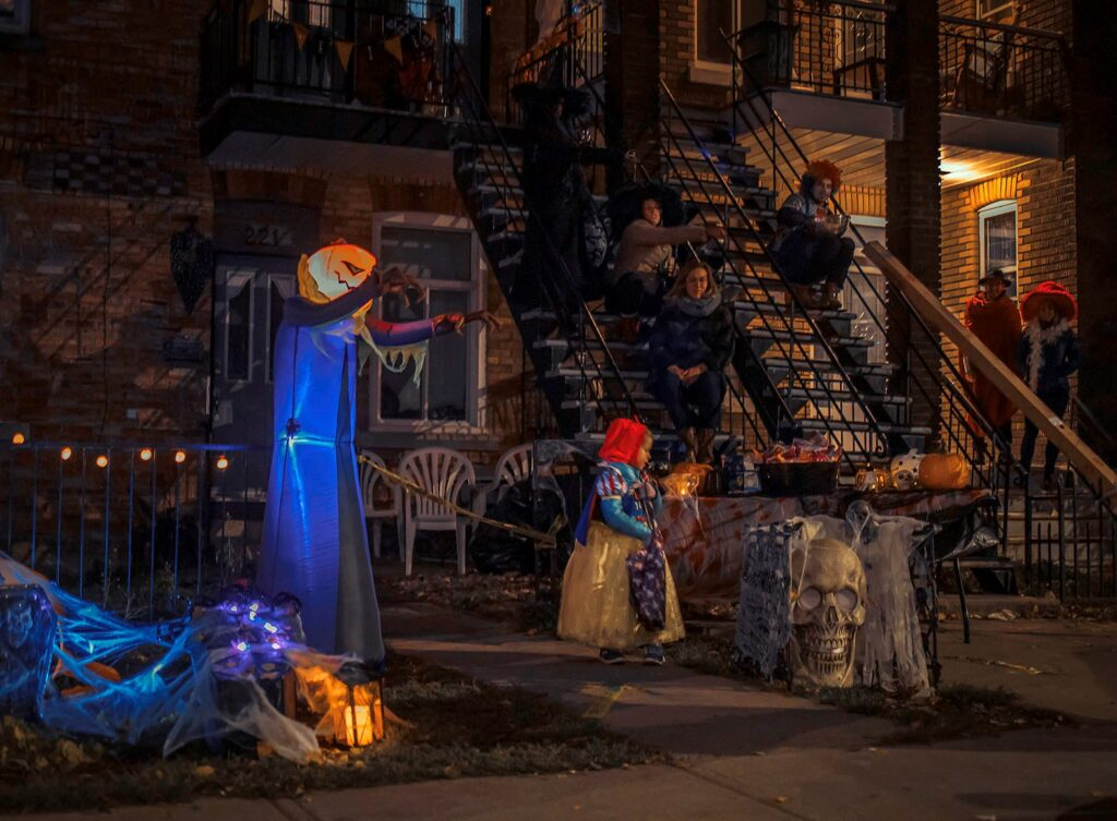 Halloween-en-distanciation-de-Benoit-Legare